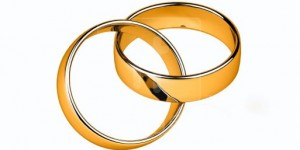 Interlocked-gold-wedding-rings