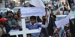 Pakistani Christians protest following the Taliban suicide bombings in Lahore (Photo credit: UCANews.com)