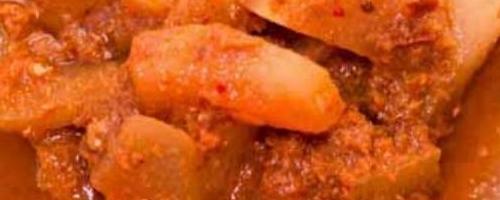 Watermelon Rind Sour Curry - Gang Som Pleug Tang Mo แกงส้มเปลือกแตงโม
