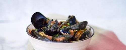 Steamed Mussels In A Tomato Broth