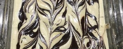 Keto Vanilla Chocolate Swirl Ice Cream