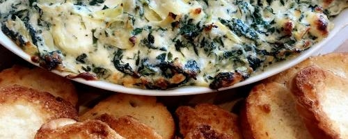 Spinach Artichoke Dip With Garlic Parmesan Bread