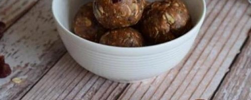 Raw Cranberry Chocolate Energy Balls