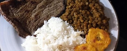 Arroz Con Menestra Y Carne