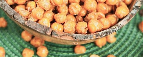 Simple & Crunchy Roasted Chickpeas