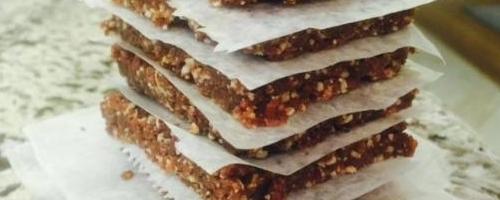 3 Ingredient Homemade Lara Bars