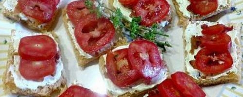 Tomato-basil Tea Sandwiches