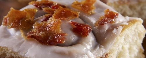 Cinnamon Rolls With Candied Bacon