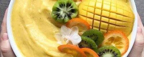 Mango Sunshine Smoothie Bowl