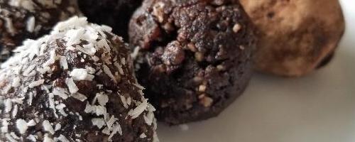 Cocoa Date Bites