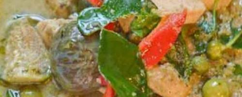 Green Curry with Chicken - Gang Kiew Wan Gai แกงเขียวหวานไก่
