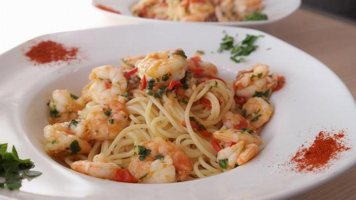 Garlic Shrimp And Sun Dried Tomatoes With Spaghetti