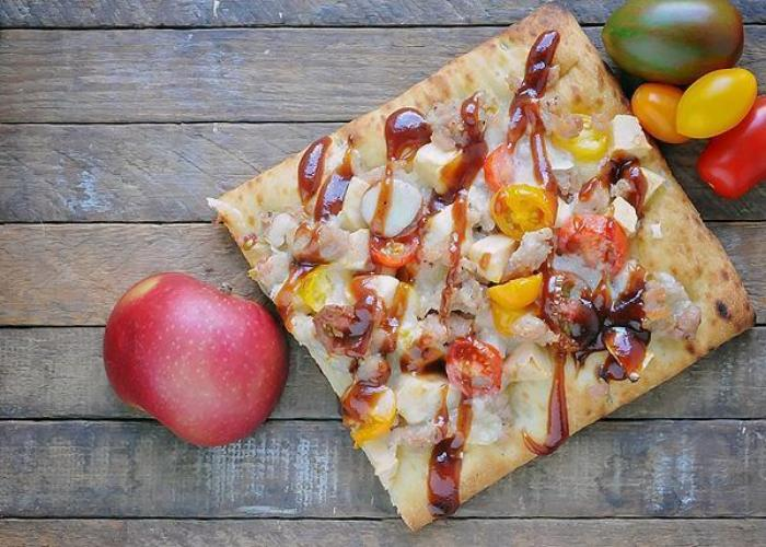 Barbeque Chicken And Apple Flatbread Pizza