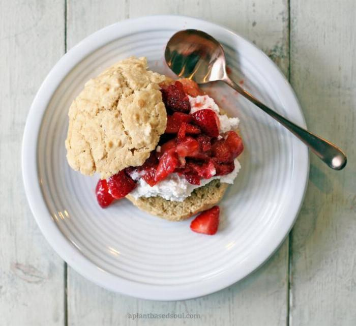 Low Sugar Vegan Strawberry Shortcakes