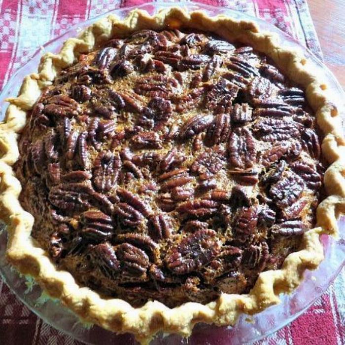 3 Winks Family Favorite Pecan Pie