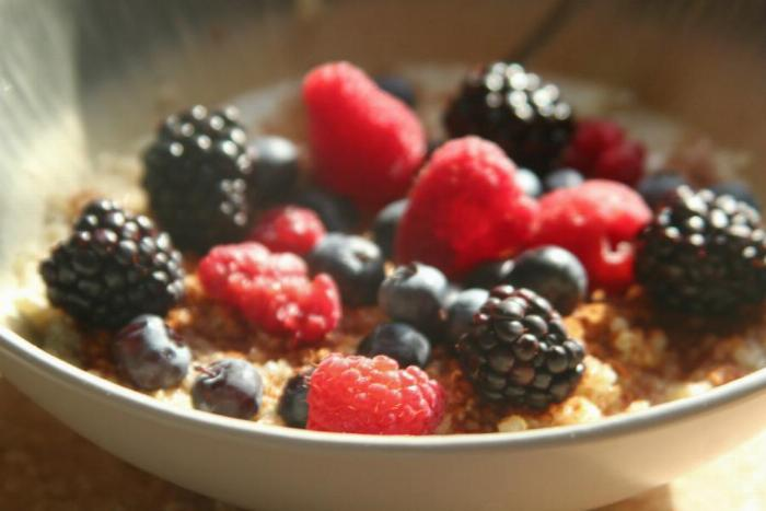 Hot Quinoa Cereal With Berries