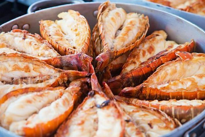 Easy Peasy Broiled Lobster Tails
