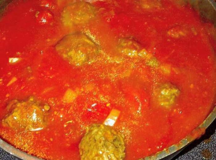 Easy Spaghetti Sauce & Meatballs