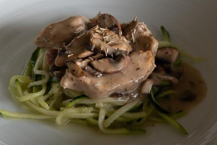Zucchini Noodle Pasta With Chicken And Mushroom Cream Sauce