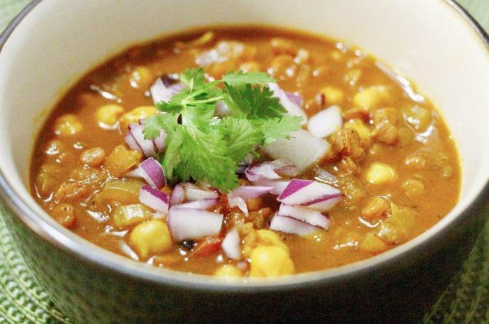 Hearty Chickpea Lentil Soup