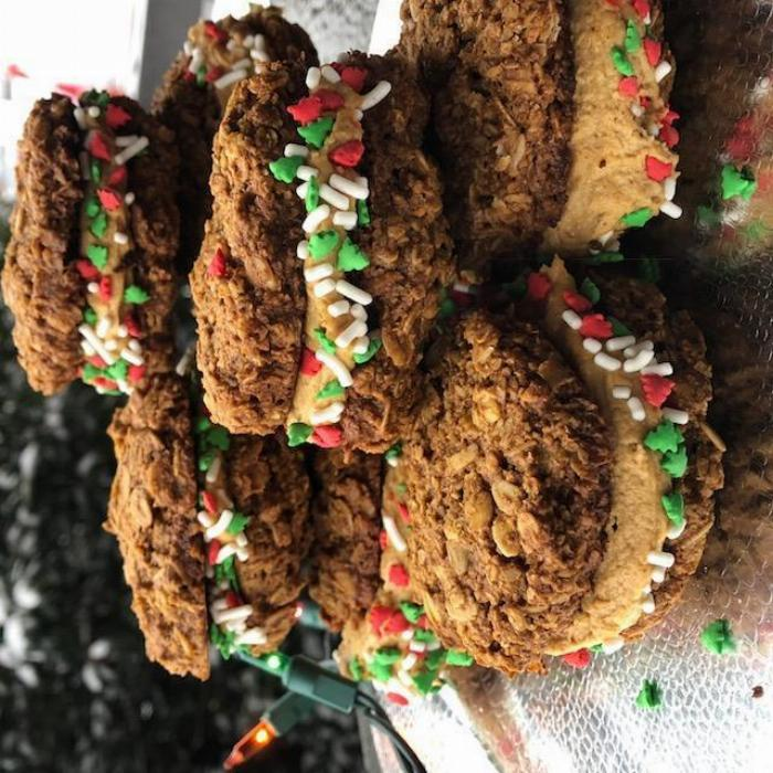 Gingerbread Oatmeal Creme Pies