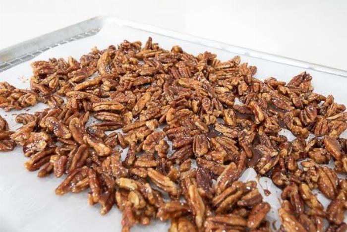 Maple Glazed Cinnamon Pecans