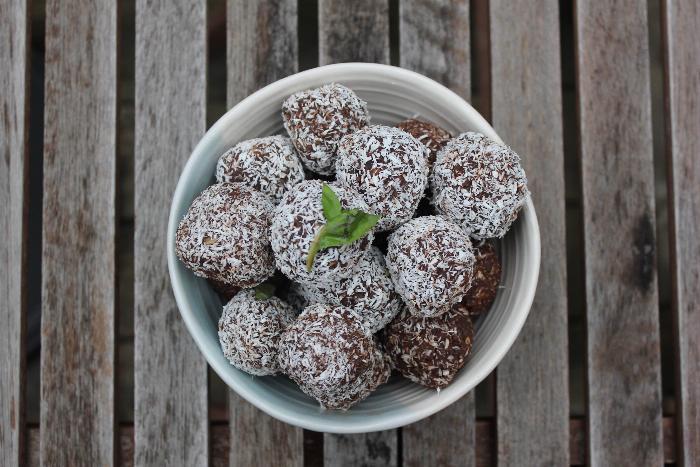 No-bake Chocolate Quinoa Power Balls