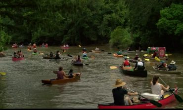Rain Holds Up For 6th Annual Bayou Vermilion Boat Parade