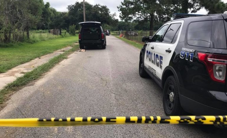 Lafayette Police investigating body found in field near Gauthier