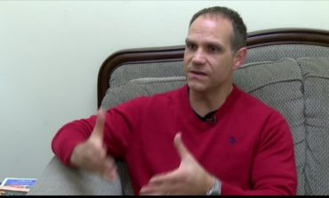 Licensed Therapist Provides Tips On Coping With Holiday Depression