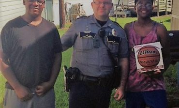 Carencro Police Officers Spread Kindness Over the Weekend
