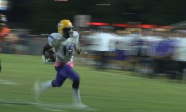 St. Martinville Remains Undefeated Beating Opelousas 40-7
