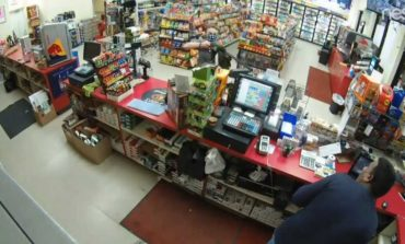 2 Arrested for Convenience Story Robbery in Lake Charles