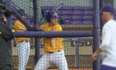 HENRY SHINES AS NO. 10 LSU BASEBALL EVENS SERIES WITH NO. 25 FLORIDA, 13-1