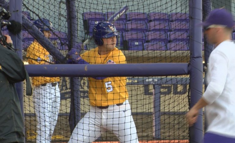 NO. 1 LSU BASEBALL COMPLETES SERIES SWEEP OF BRYANT, 4-3