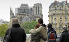 Notre Dame Cathedral Fire: Parisians Grieve, Pay Their Respects to Landmark