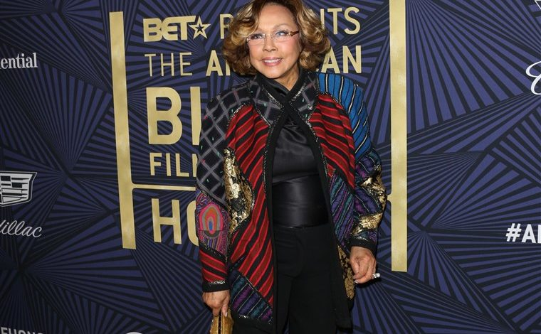 Diahann Carroll, First Black Woman to Star in Non-Servant Role in TV Series, Dies at 84