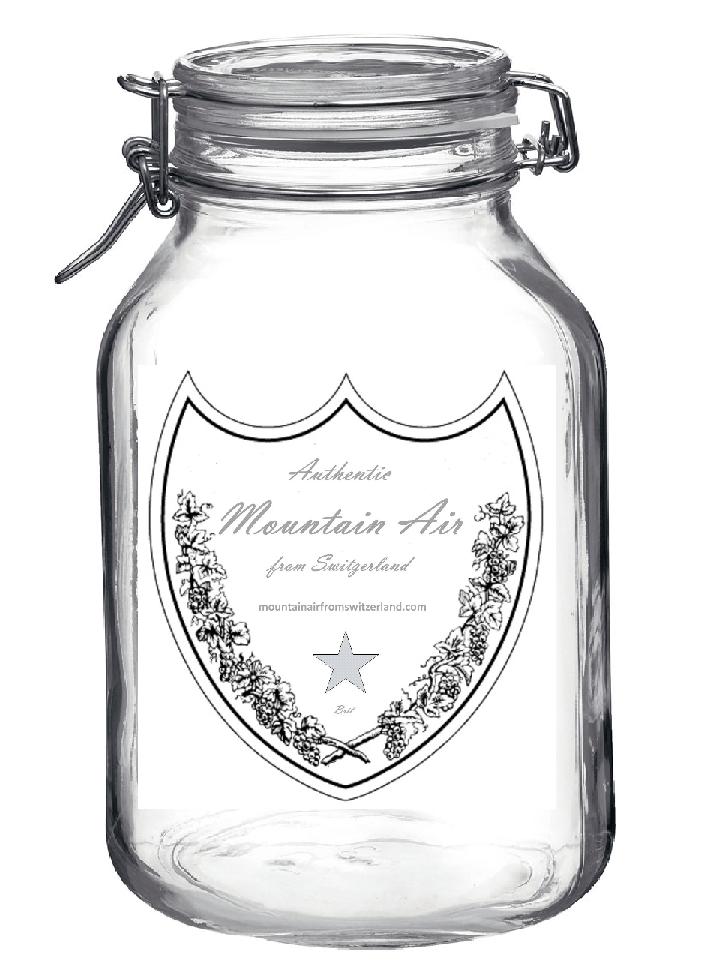 Puedes comprar como souvenir una botella con aire de los alpes