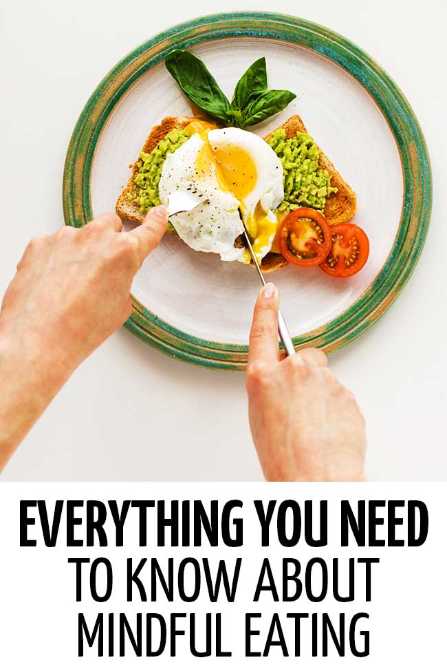A woman eating mindfully by having a balanced meal #weightloss #diet #dieting #dietplan #loseweightfast #loseweightfastandeasy #loseweightquick #losebellyfatinaweek #healthyeating #healthyliving #healhthylivestyle #healthylife