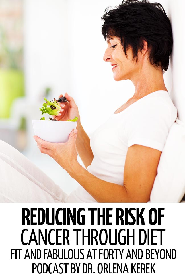 A woman eating a healthy bowl of salad #healthyliving #healthyeating #healthylifestyle #howtobehealthy #healthylifetips #anticancer #anticancerdiets #anticancerfood #anticancerdietplan #howtoreducecancer #reducecancerrisk #anticancermeals