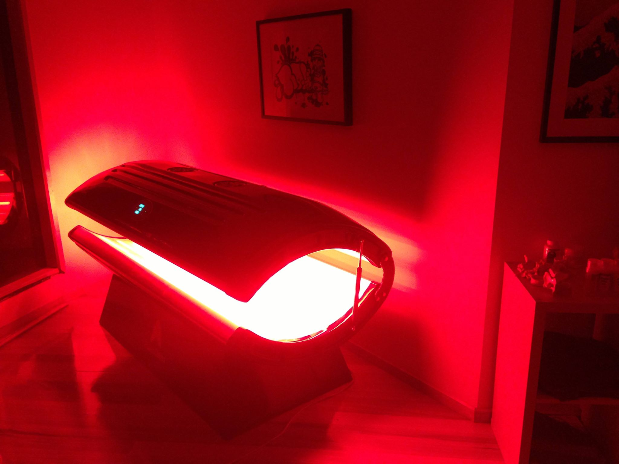 The Fascinating Healing Properties of Red Light Therapy: Rapid ... for Red Led Light Texture  76uhy
