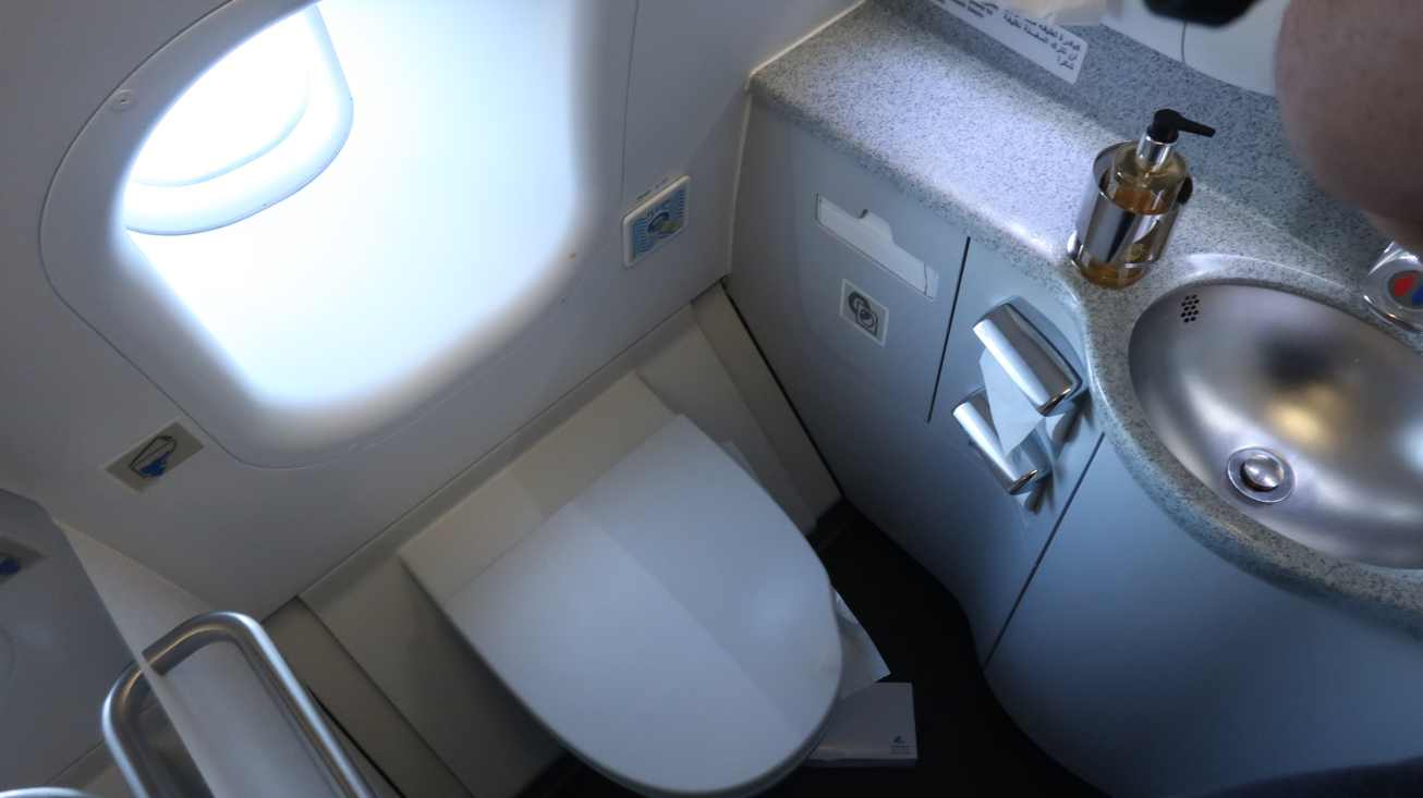 Qatar Airways Business Class Flight Review - Onboard the Amazing ...
