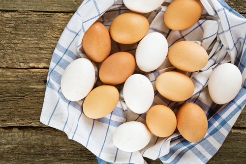 Are Brown Eggs More Nutritious that White? ~ JulieDaniluk.com