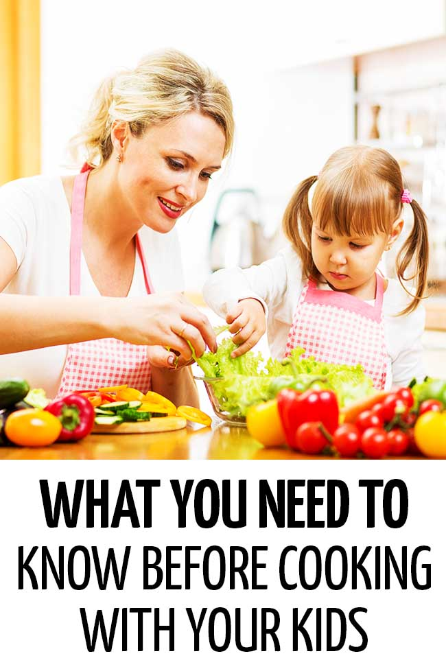 Little girl helping her mom prepare a salad in the kitchen #mealplanning #mealpreparation #healthymeals #foodpreparation #healthyfood #cookingwithkids #kidsinthekitchen
