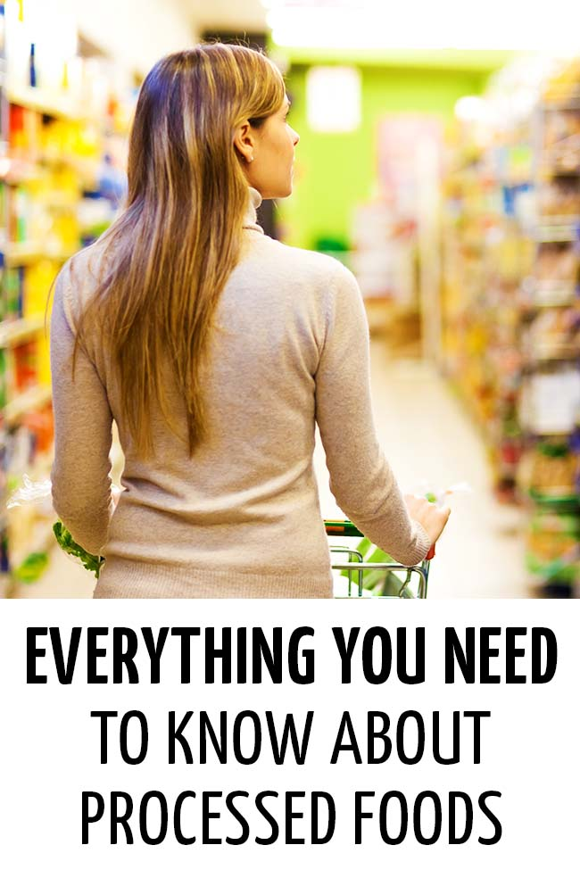 Woman doing grocery shopping #processedfood #packagedfood #readinglabels #understandinglables #healthyeating #healthymeals
