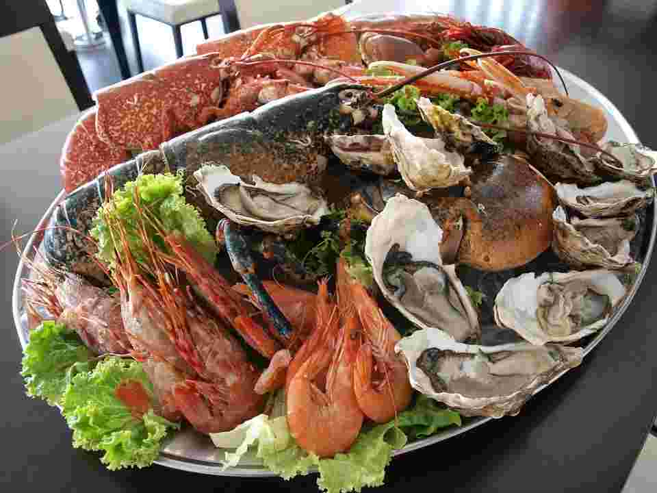 the foods with the highest zinc content such as clams, oysters, and beef