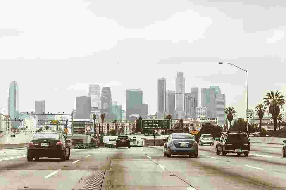 nitogen dioxide emitted by traffic kills tens of thousands of people each years. Picture shows polluting cars