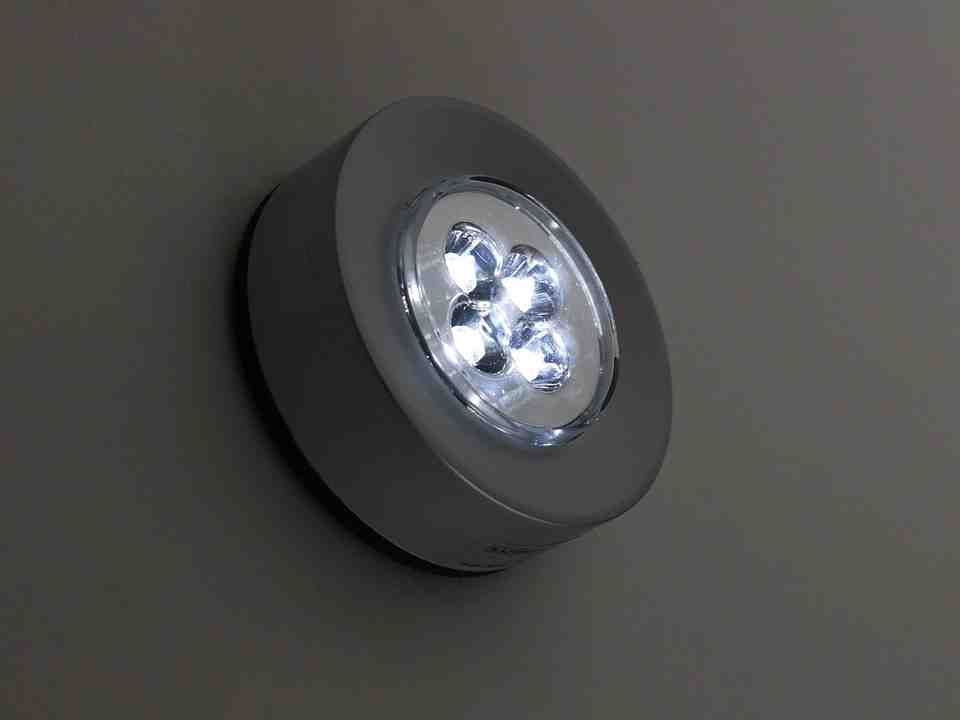 LED light expsoure increases melanoma risk