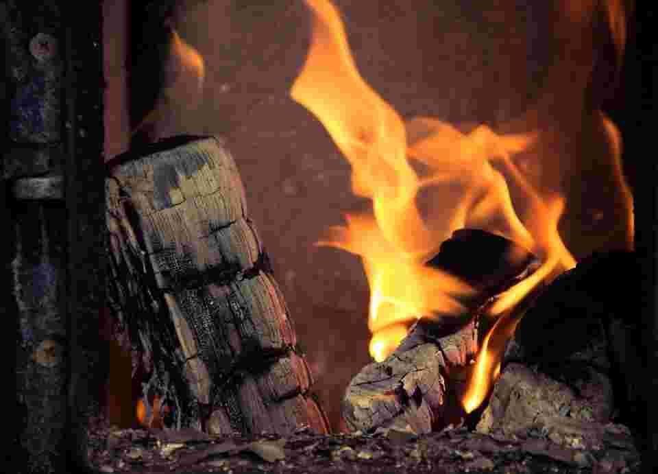 carbon monoxide breathing through firewood