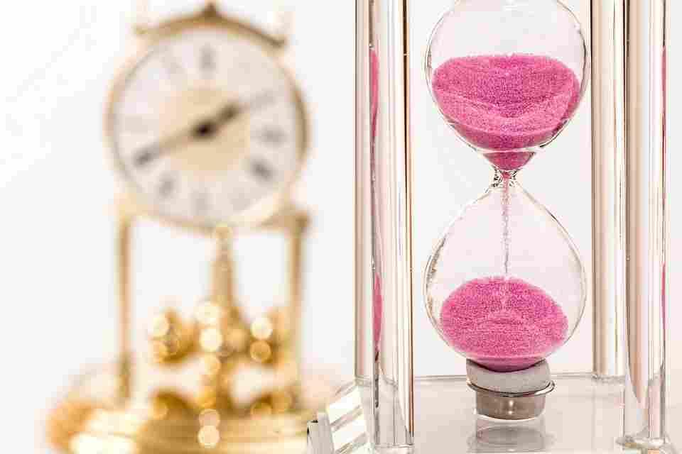 analogy between aging and seasonal change